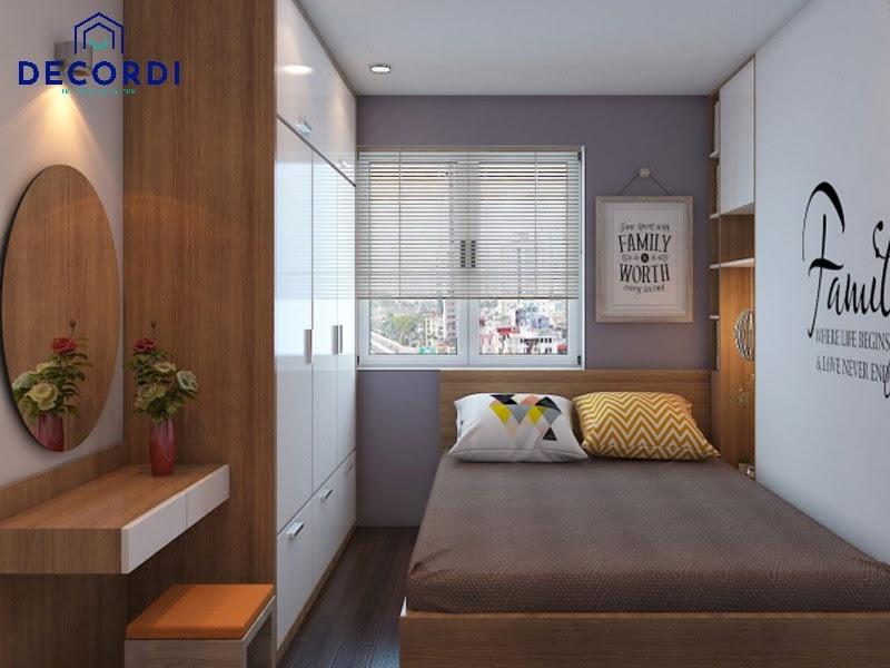 Phòng ngủ màu vân gỗ gần gũi với thiên nhiên có cửa sổ đón nắng tiện lợi